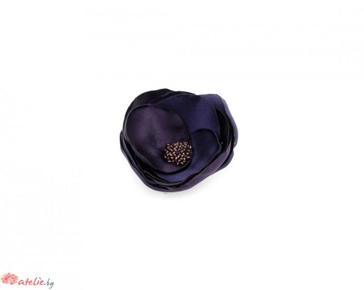 Лилава брошка/аксесоар за коса цвете.