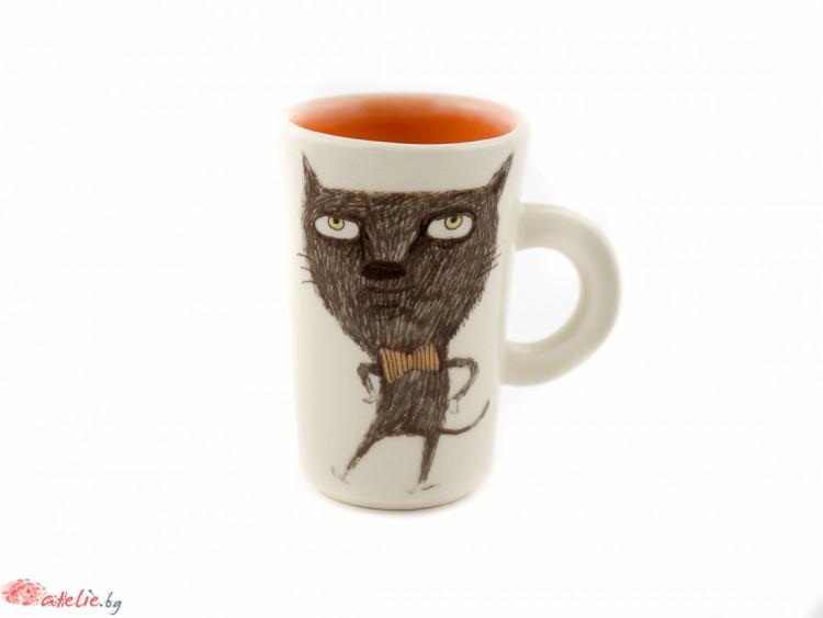 """Ръчно изработена порцеланова чаша """"Котка с папионка"""""""