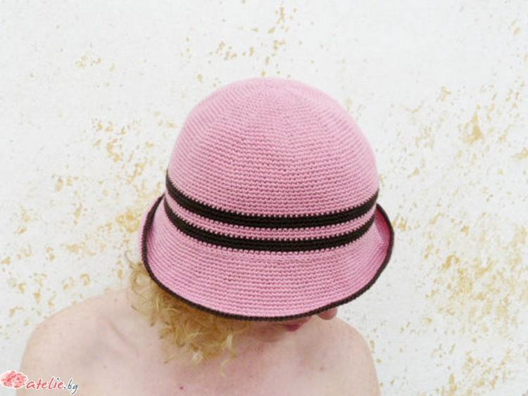 Ръчно изплетена розова лятна шапка с периферия