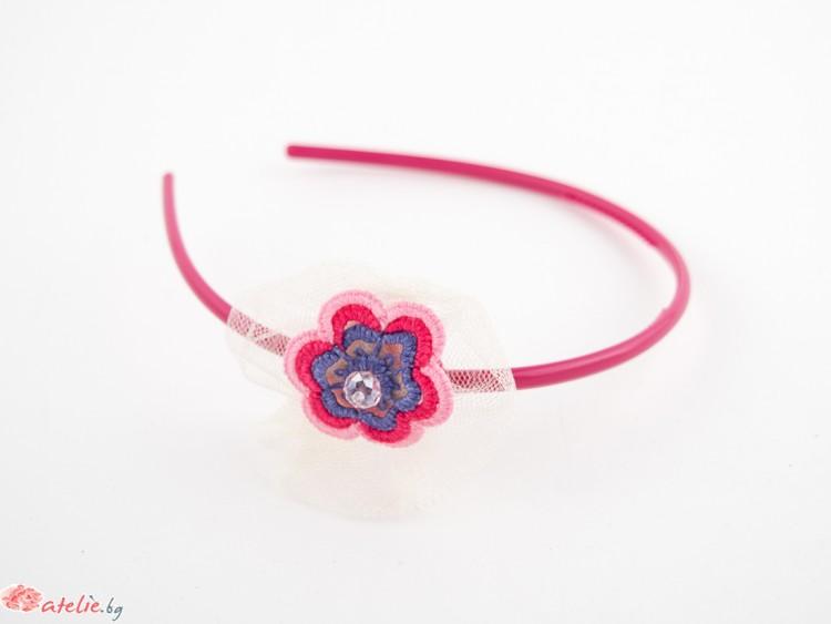 Диадема с дантелено цвете в розово и синьо