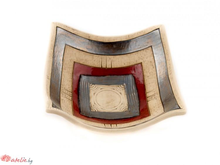 Малка ръчно изработена керамична купа