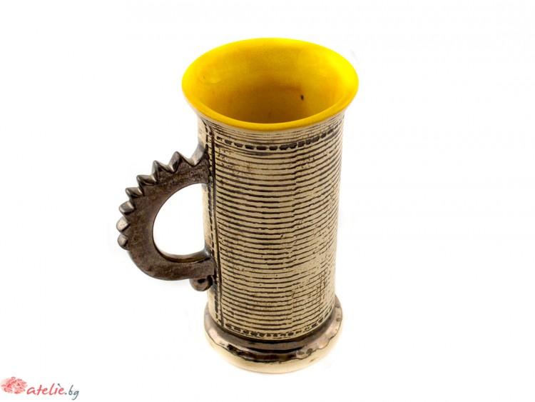 Ръчно изработенa керамиченa чаша