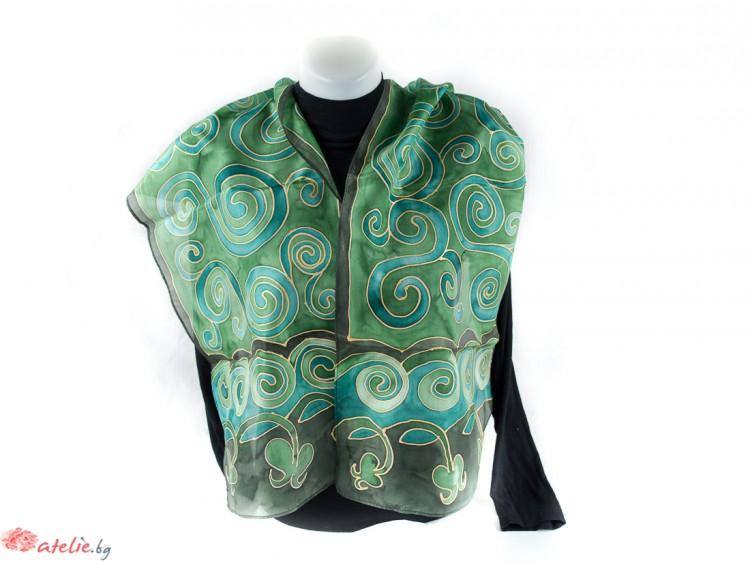 Ръчно рисуван копринен шал в зелено